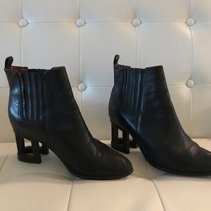 JEFFERY CAMBELL INVISIBLE HEEL SIZE 9